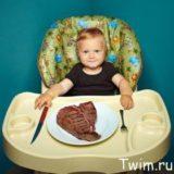 baby-eating-steak
